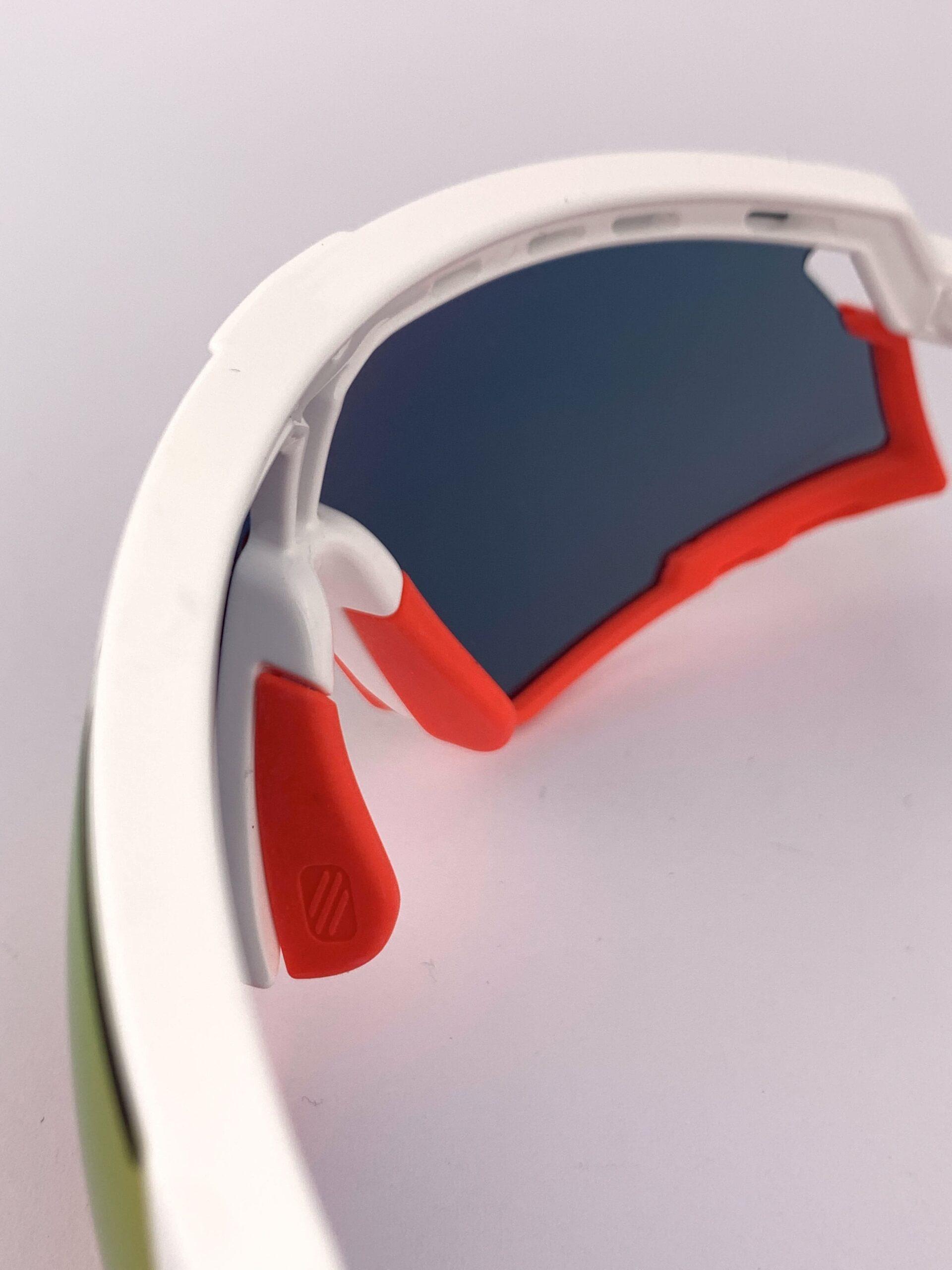 Cyklistické okuliare Defender červené zvrchu
