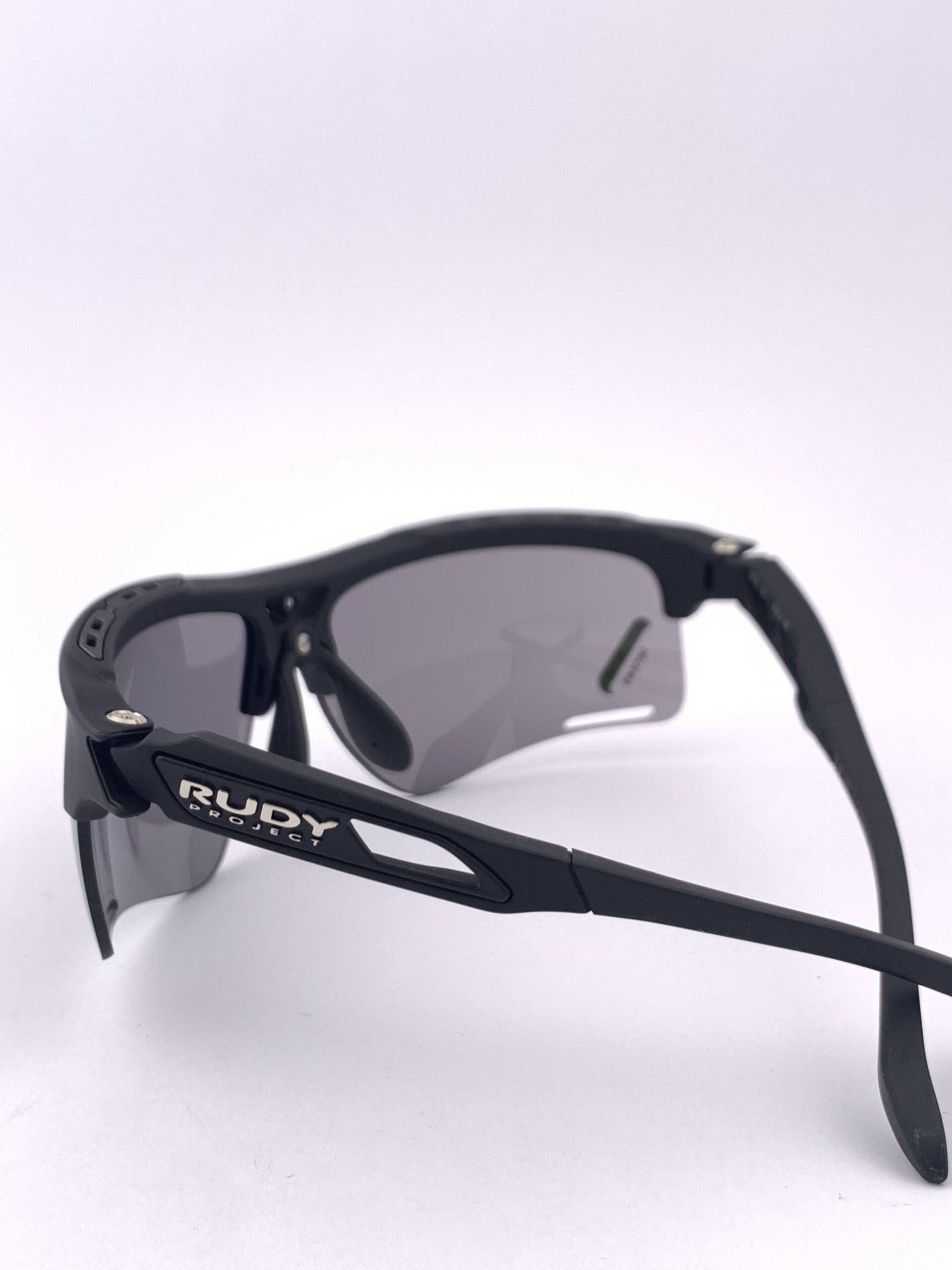 Cyklistické okuliare Keyblade čierne zozadu